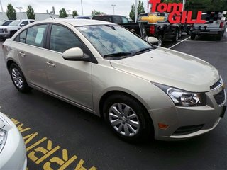 Used Chevrolet Cruze LT with 1LT